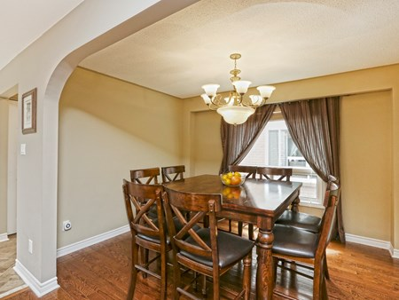 SOLD: BEAUTIFULLY UPGRADED DETACHED HOME IN BRAMALEA 10486 14 lacewood crescent (13)