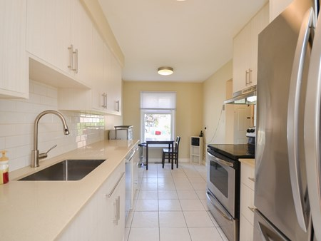 SOLD - END UNIT TOWNHOUSE, WALKING DISTANCE TO BCC 10776 for sale 22 craigleigh crescent   end unit townhouse 002