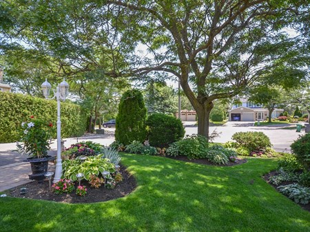 SOLD BRAMPTON HORTICULTURAL SOCIETY GARDEN AWARD WINNING HOME 10885 for sale 4 normandy place brampton horticultural society 002
