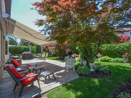 SOLD BRAMPTON HORTICULTURAL SOCIETY GARDEN AWARD WINNING HOME 10885 for sale 4 normandy place brampton horticultural society 011